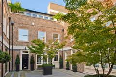 3 St Michael's Mews, Belgravia, London, is a residential property recently sold by Avril Butt Property